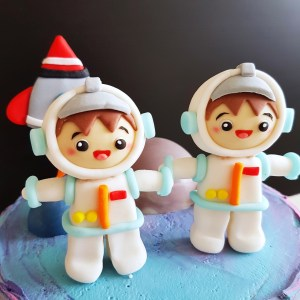 Astronaut Cake by The Baking Experiment