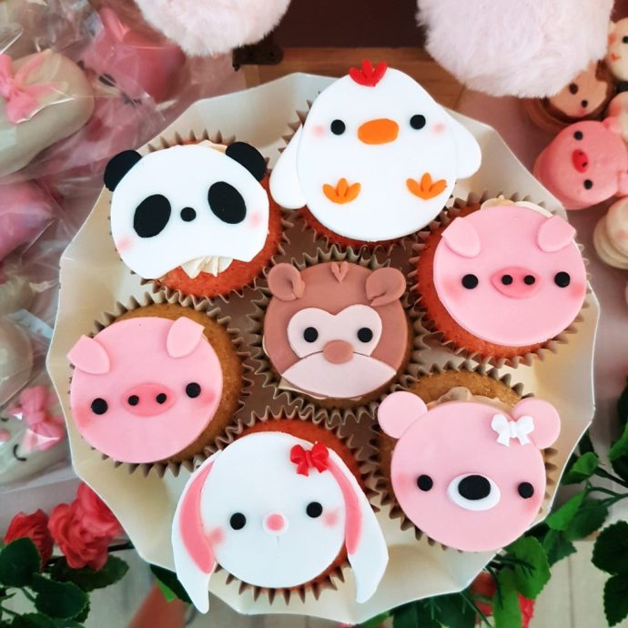 Animal Cupcakes by The Baking Experiment