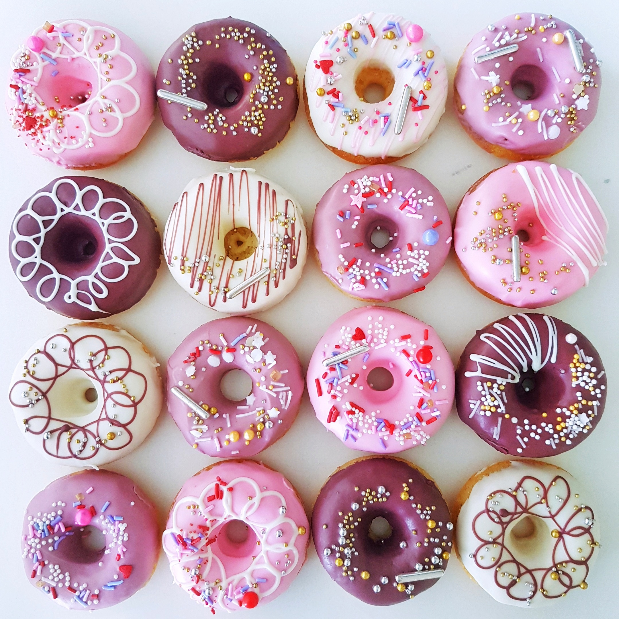 Set of 16 pink donuts by The Baking Experiment