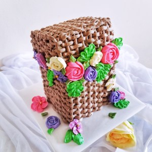 Woven Basket Buttercream Cake by The Baking Experiment