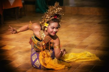 Australia has reclaimed its title as Bali's number one source of tourism