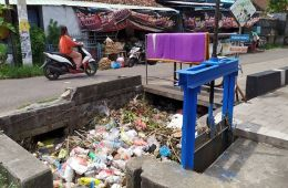 Thousands of Pounds of Garbage Is Being Tossed Into The Rivers In Jembrana