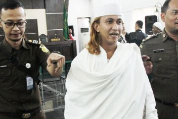 Controversial Cleric Who Shaved Teenagers Heads For Mocking Him In Bali Sent Back To Prison