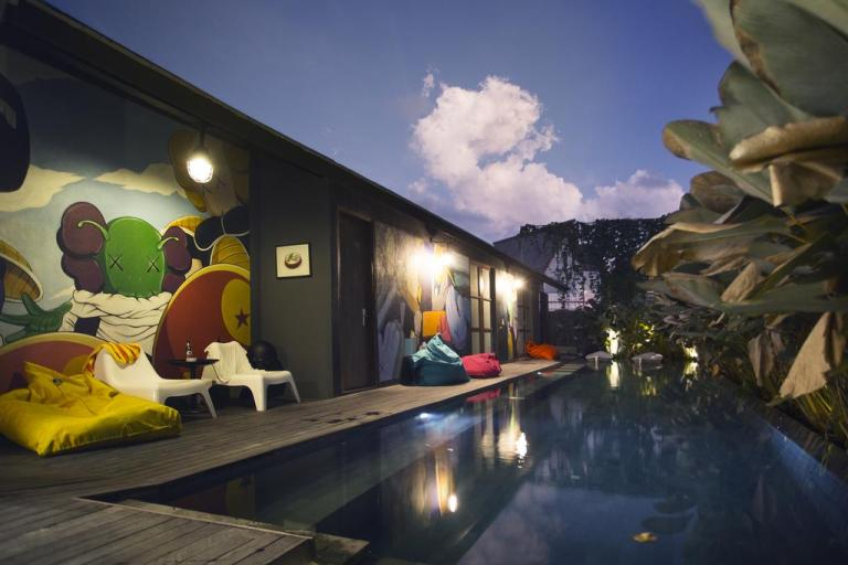 cheap hostels under $10 a night in bali - M boutique