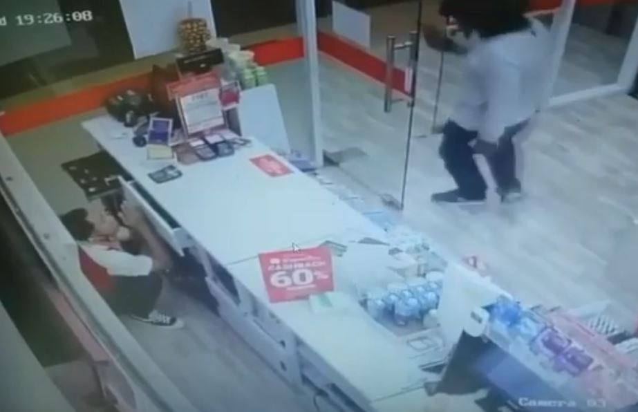 robbery in seminyak at cricle k