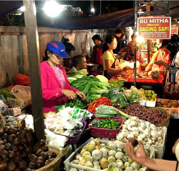 bali market vendor