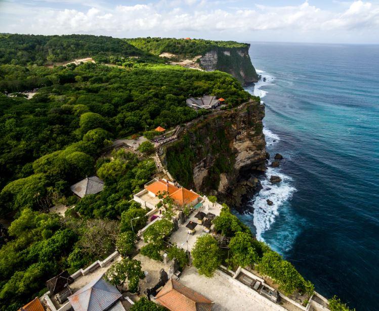 bali shoreline cliff