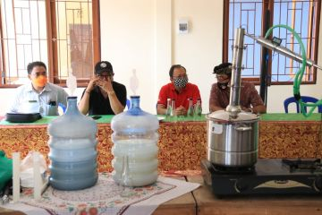 Bali Governor Wants Domestic Liquor 'Arak' To Compete With Sake