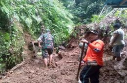 Family Buried By Landslide In Bali
