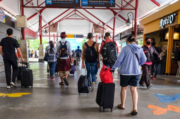 Over 11,000 Domestic Tourists Depart Bali Airport After Holiday Long Weekend