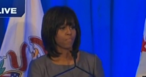 MICHELLE-OBAMA-TEARS-UP