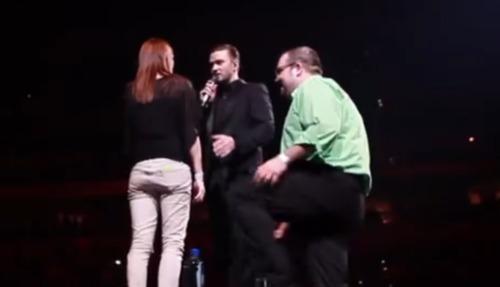 justin-timberlake-helps-man-propose-girlfriend