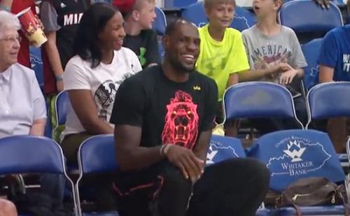 lebron-savannah-cheer-lebron-jr-basketball-game-video
