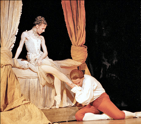 Alina Cojocaru & Christopher Saunders (as Monsieur GM) in Manon. Photo by Johan Persson. Source via PlaybillArts (copyright belongs to its owners)