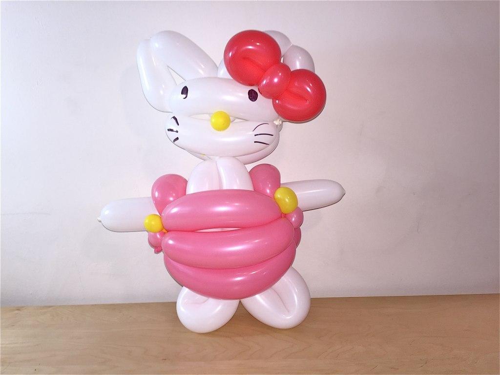 Hello kitty balloon by The BalloonGuyLA.com