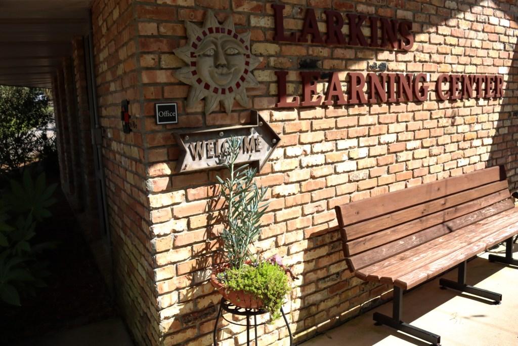 Larkin Learning Center At Mobile Botanical Gardens