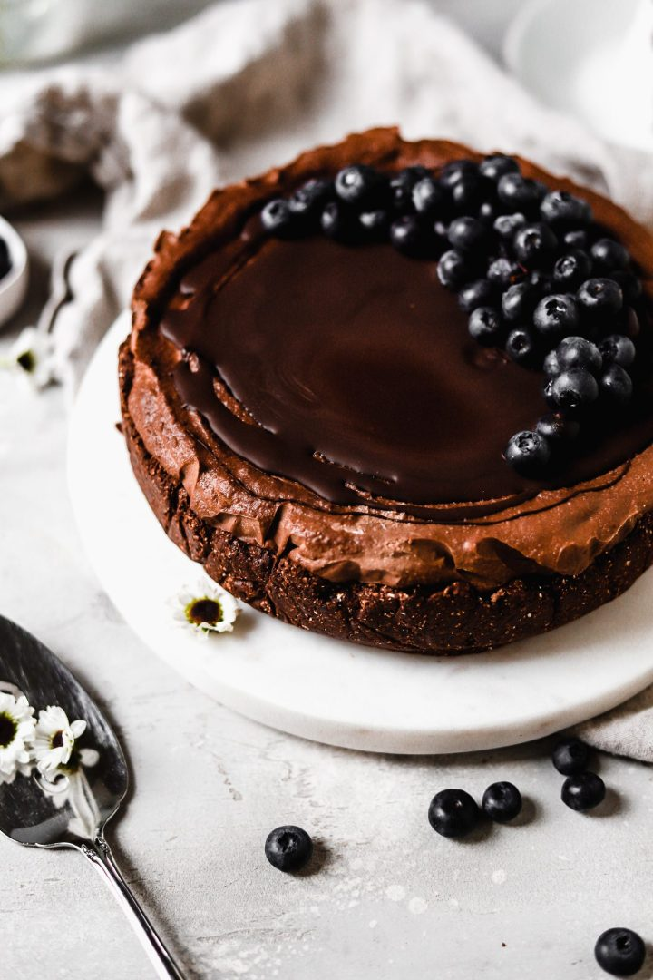 vegan chocolate cheesecake with blueberries
