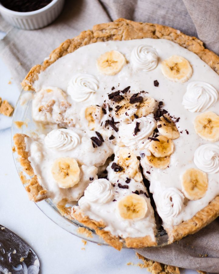 banana cream pie sliced