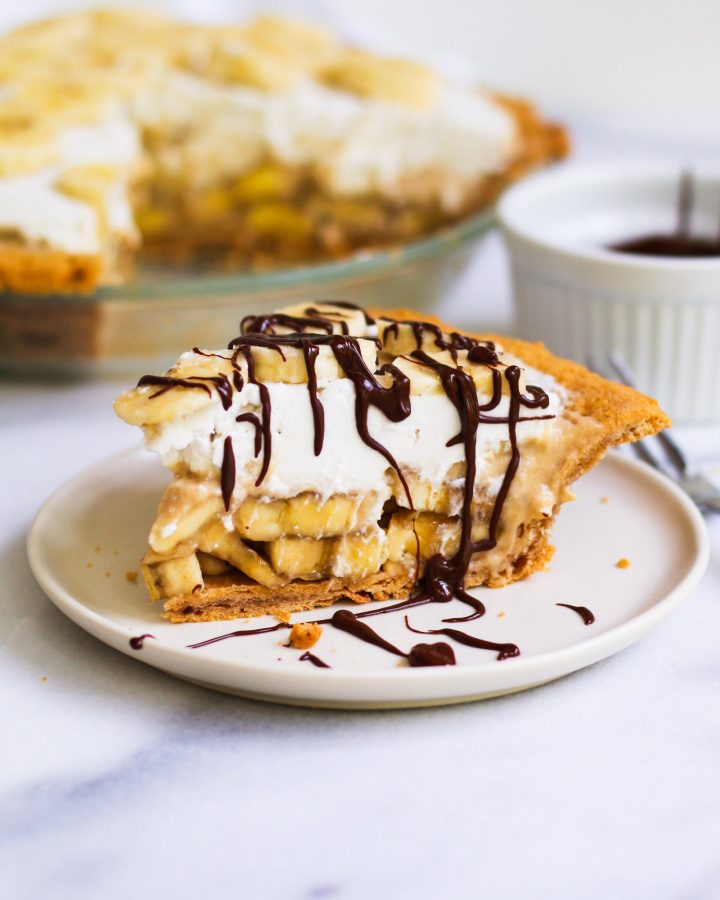 healthy banana cream pie drizzled in chocolate