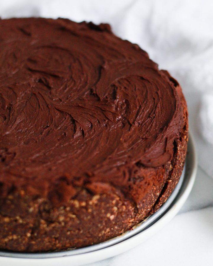 chocolate ganache on vegan chocolate cheesecake