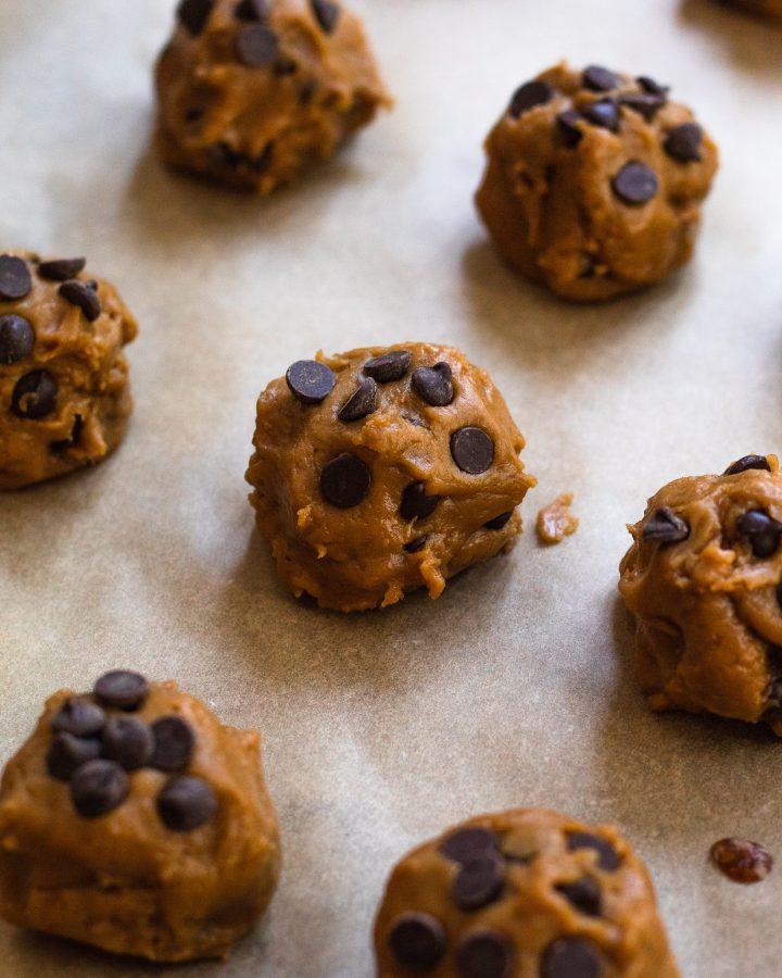 vegan chocolate chip cookies dough