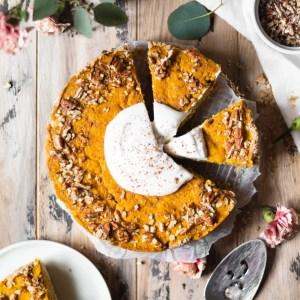 sliced vegan pumpkin cheesecake
