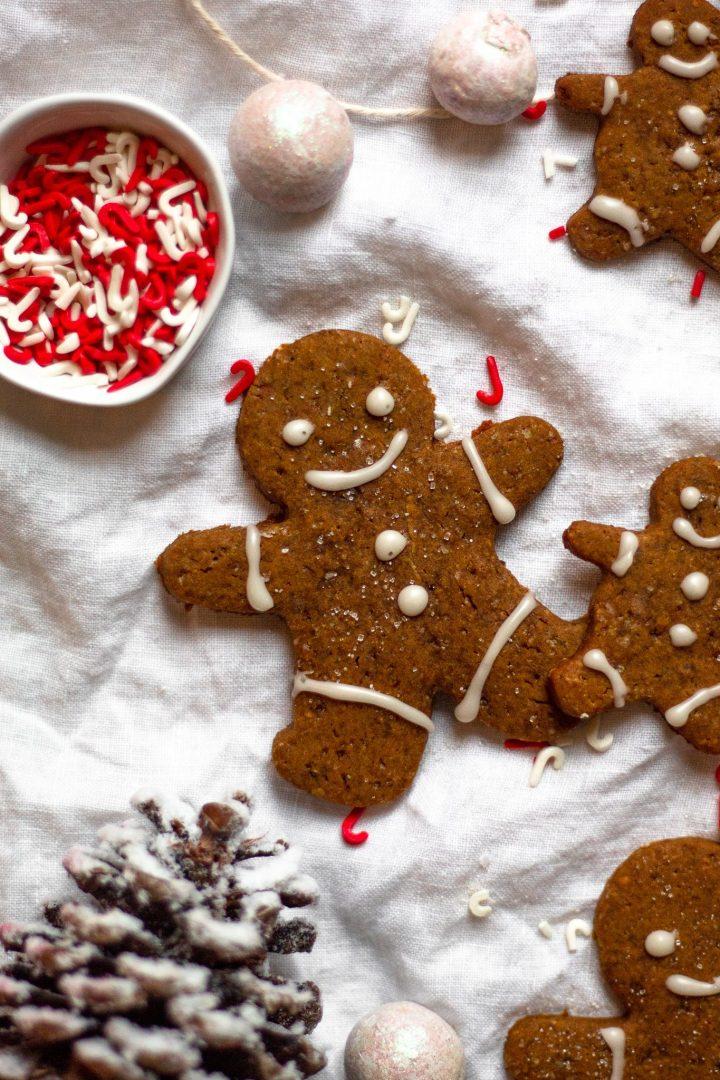 close up of vegan gingerbread man cookies