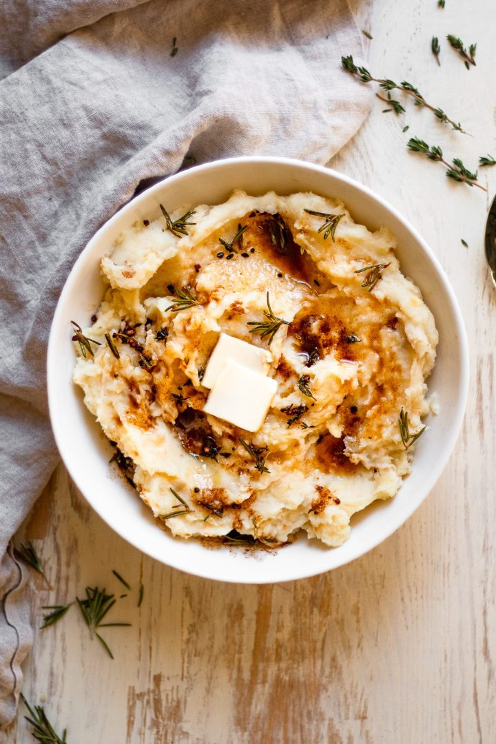 bowl of whole30 mashed potatoes