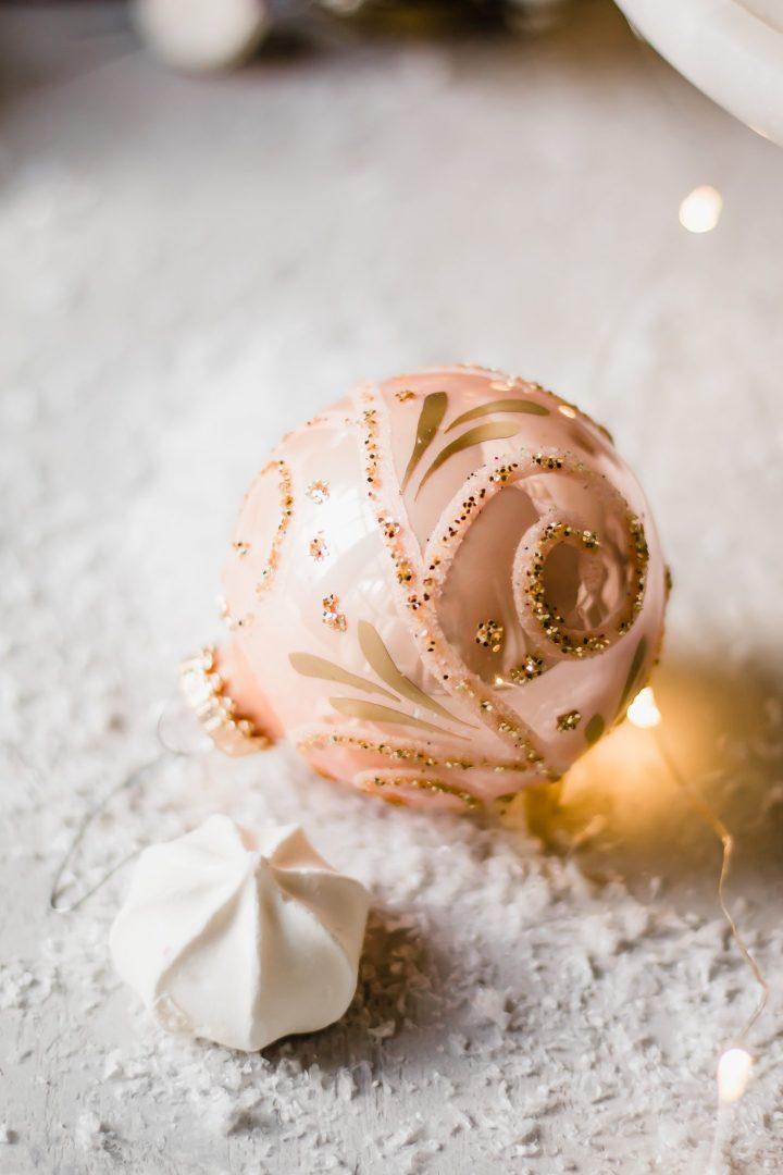 ornament with meringue