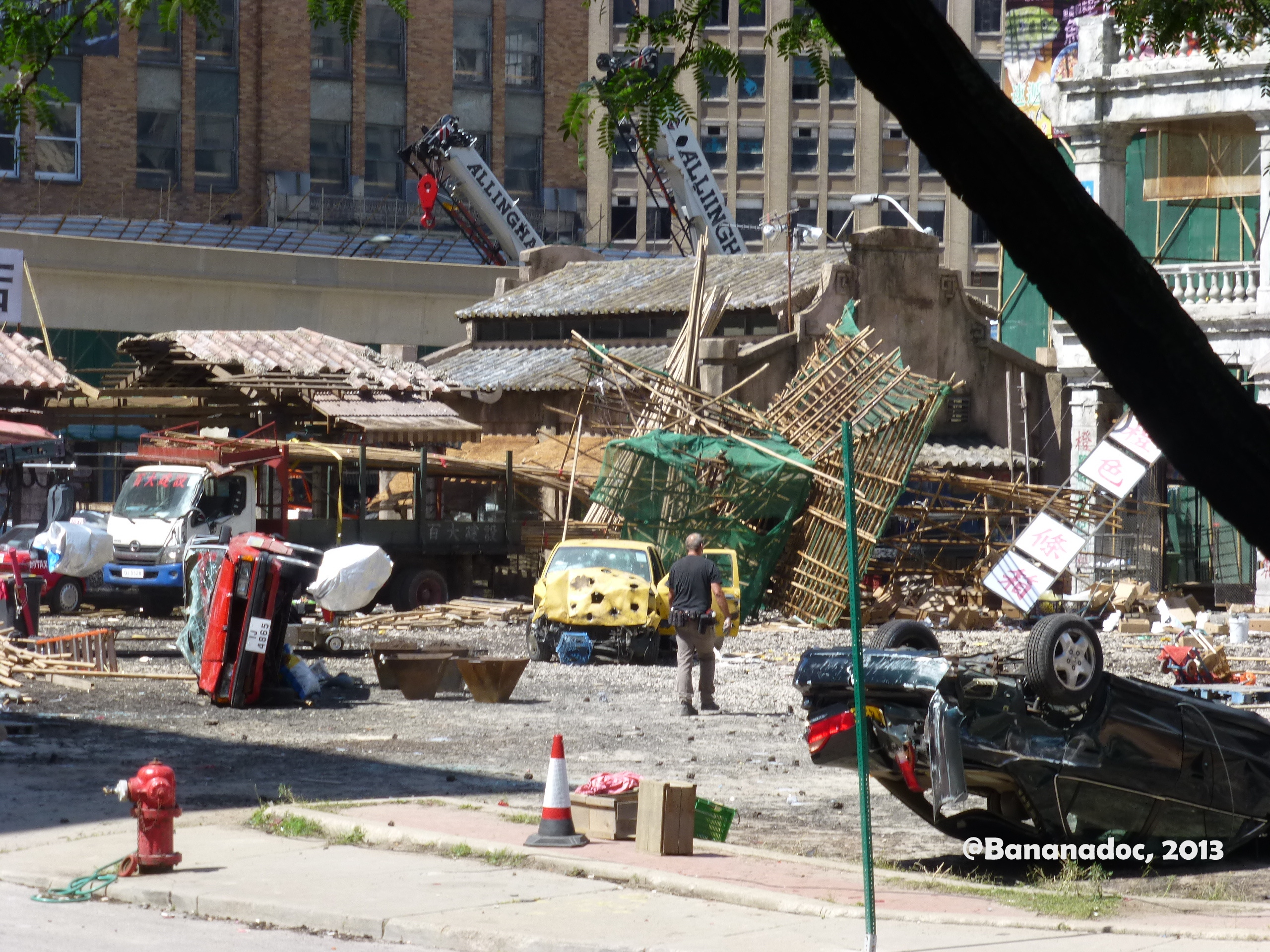 huge lawn chair twin sleeper pictures from the detroit set of transformers 4, day 4 | michigan movies and more