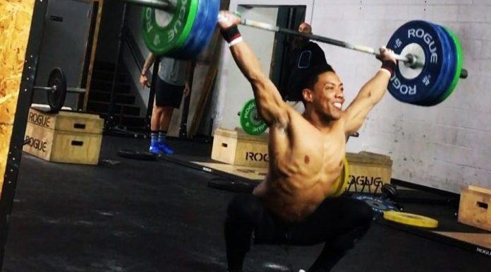 OJ Washington snatching during CrossFit Open 17.3. @oj_washington/Instagram