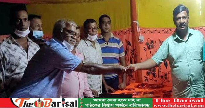 জেলা পরিষদ সদস্য ফিরোজ শিকদার  কলাপাড়ার দূর্গাপূজা মন্ডপ পরিদর্শন