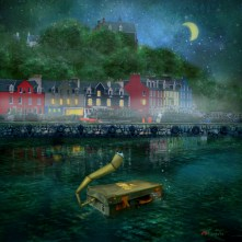 Suitcase (Tobermory) by Konecka