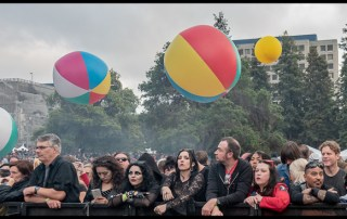 Crowd at Burger Booglaoo 2018 in Mosswood Park, by Patric Carver