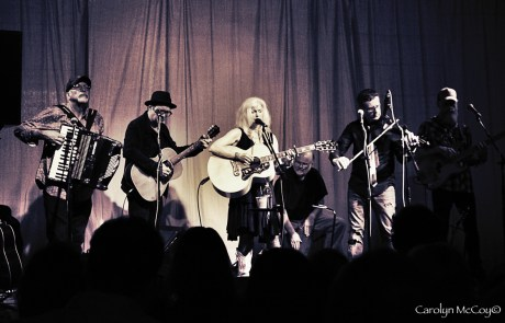 Review + Photos: Rocket Dog Rescue Benefit with Emmylou Harris at Haight Street Art Center