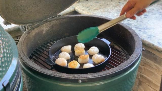 Big Green Egg Pan Seared Scallops