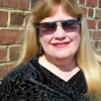Photo of author Laurie Alice Eakes.