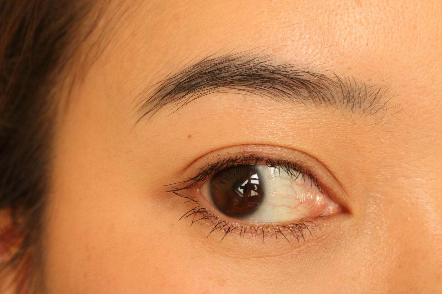testing Clarins Wonder Perfect Mascara 4D