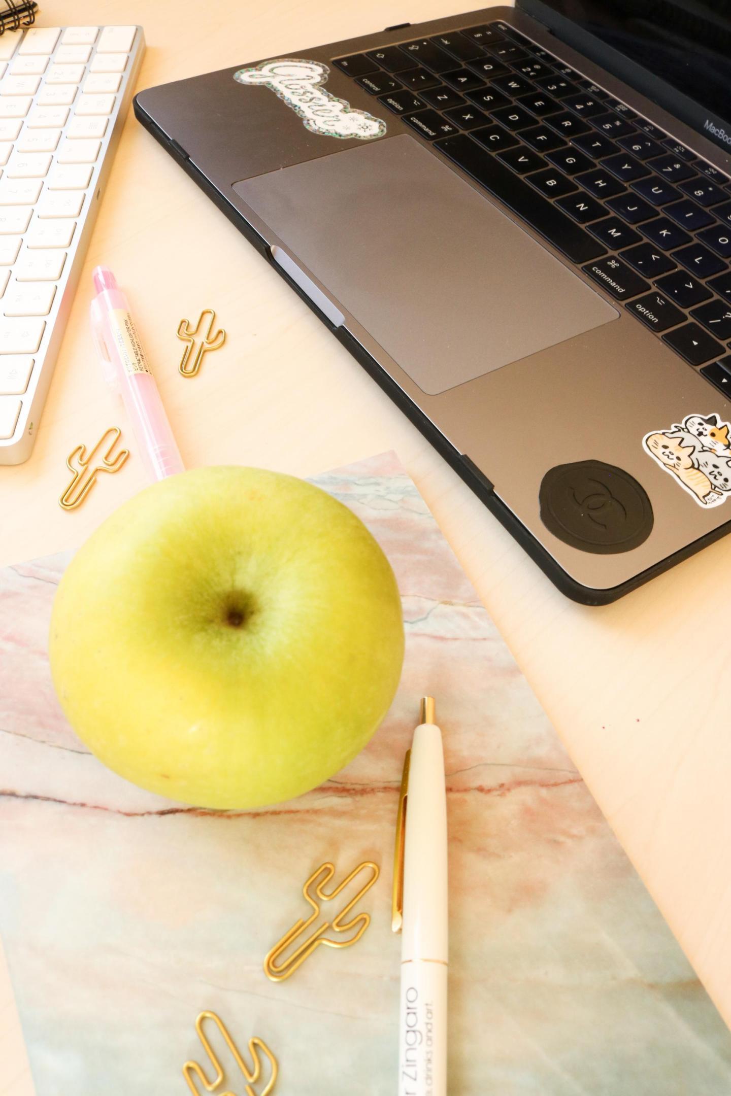 MobiGear Macbook Marble Case