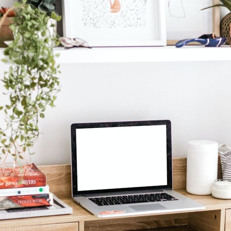 The Beauté Study   Why Taking a Social Media Break is Good for You   Featured Post by Sincerely Media