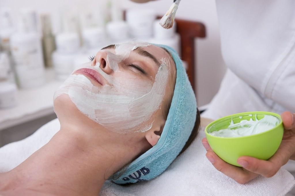 Spa Massage Beauty Lifestyle Woman  - betofurst / Pixabay