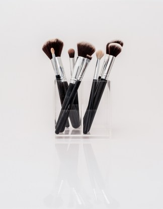 ysp_copyright2016_thebeautybox_220216_0021 Brush holder