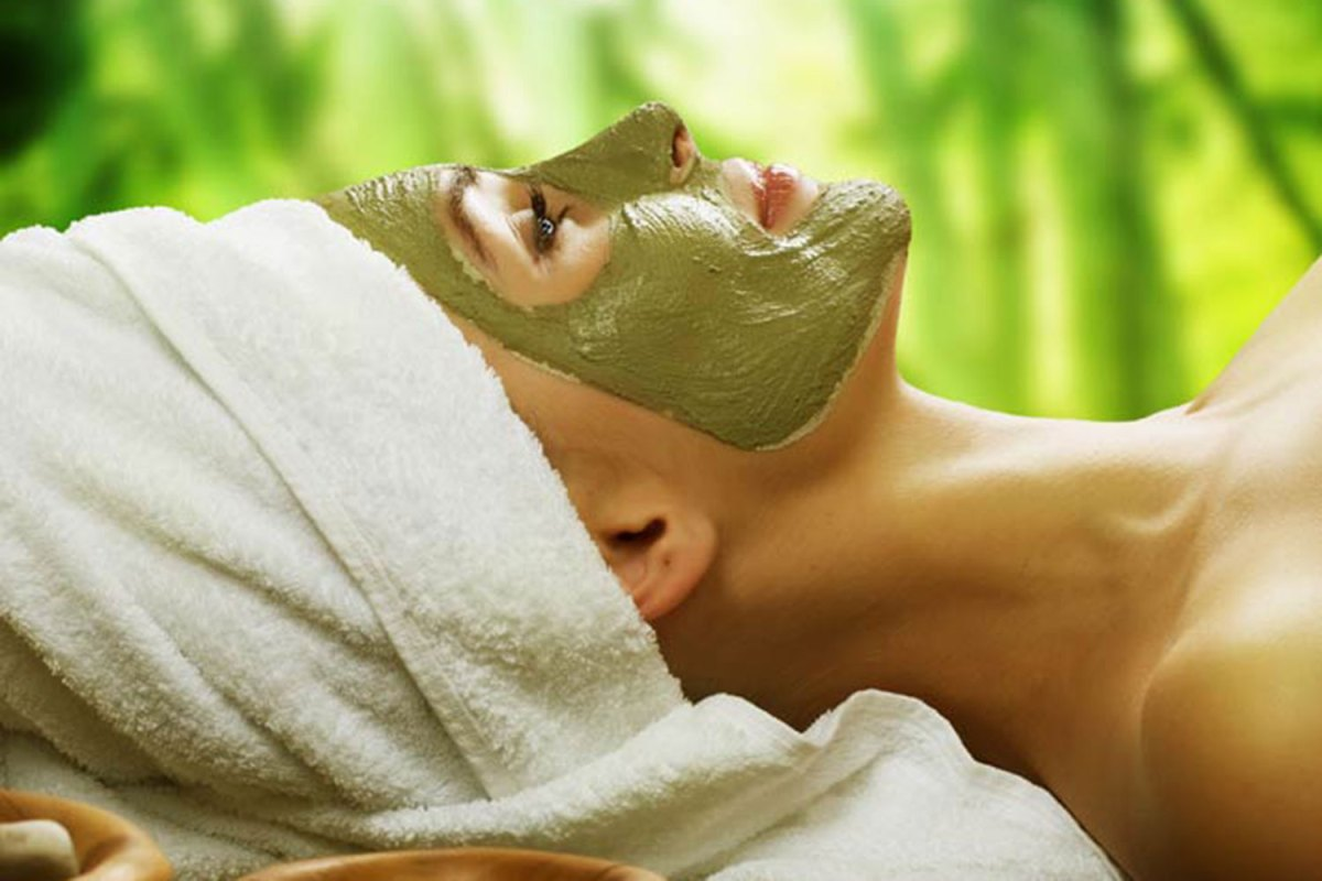 Beauty Benefits of Ayurvedic Facial : Mukhlepam