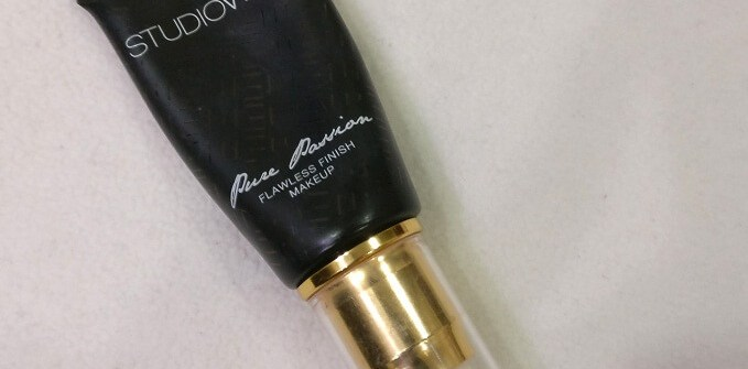 Studiowest Pure Passion Foundation