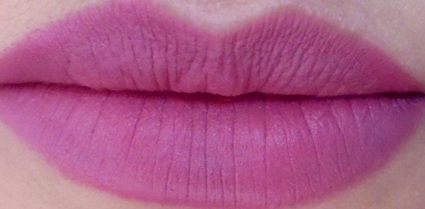 Maybelline Creamy Matte Lipstick Touch of Spice Swatches 01