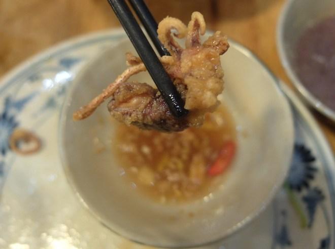 Petits calamars frits sauce au tamarin