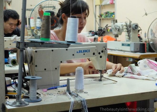 Couturière sur Hang Bo, Hanoi