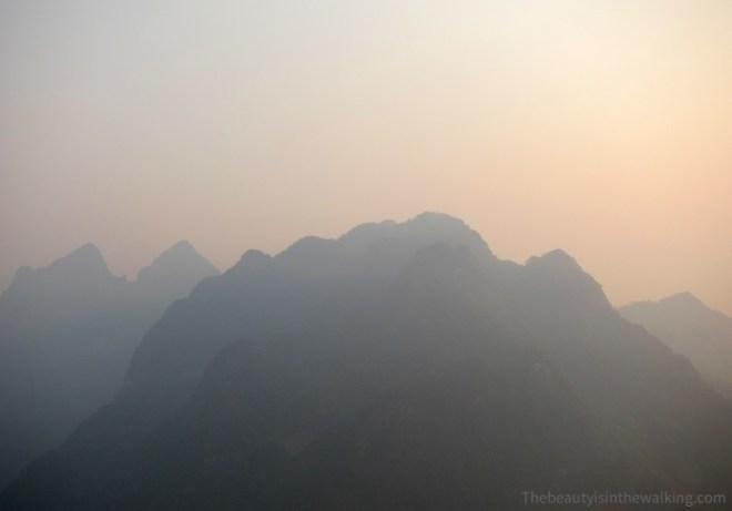 Montagnes bleutées - Nong Kiaew, Laos