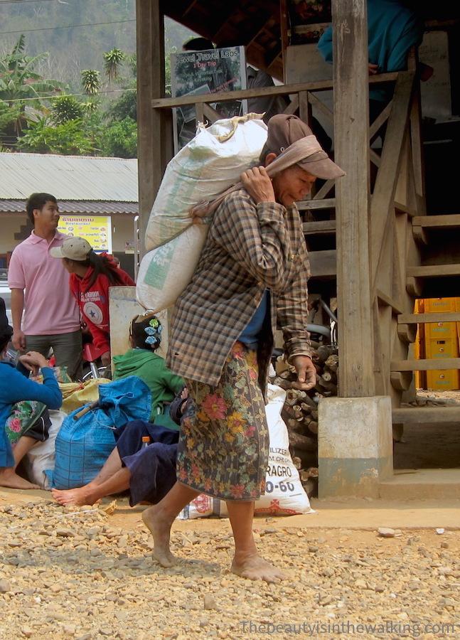 Femme laotienne - Nong Kiaew, Laos