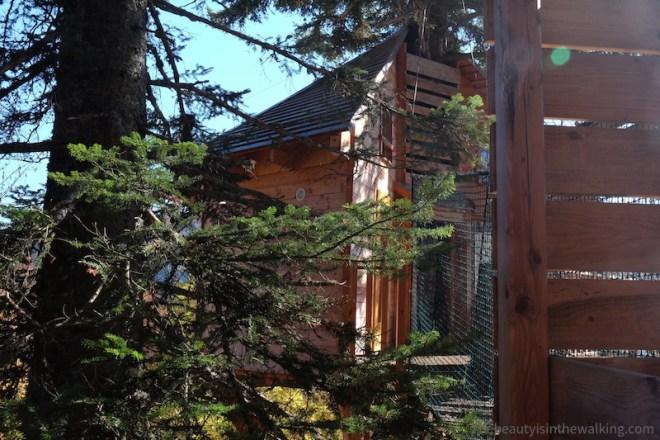 """Tree house """"Cabane du bois Mauret"""", Col de L'Arzelier, Vercors, Alpes"""